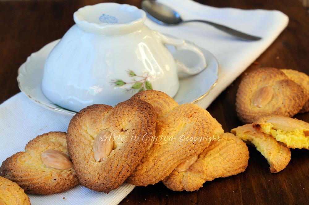 Cuori di mandorle biscotti senza burro e farina vickyart arte in cucina