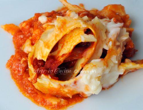 Girelle di lasagne al forno alla bolognese