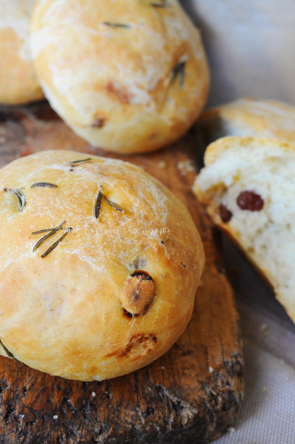 Pan di ramerino uvetta e rosmarino ricetta antipasto vickyart arte in cucina