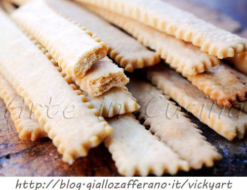 Bastoncini salati al formaggio stuzzichini con bimby o senza