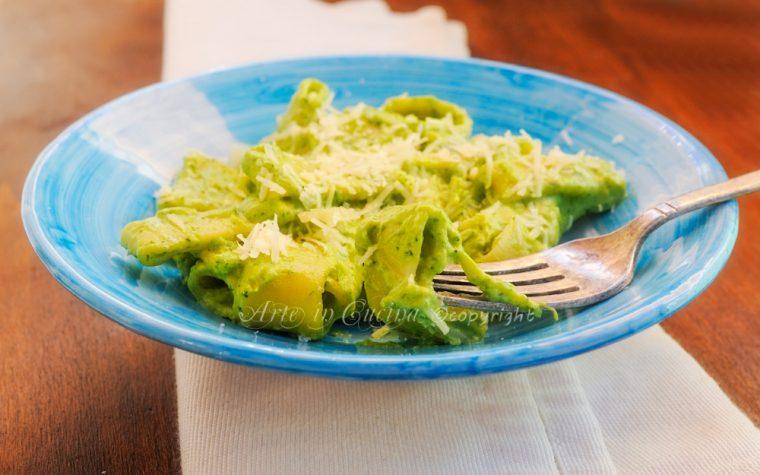 Calamarata con broccoli cremosa ricetta leggera