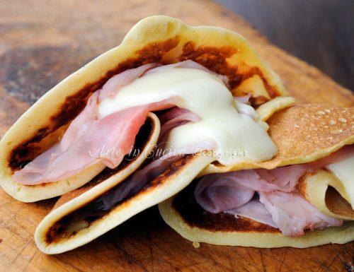 Crepès salate senza burro prosciutto e mozzarella