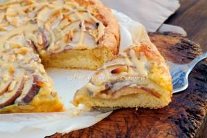 Crostata di mele crema pasticcera e caramello