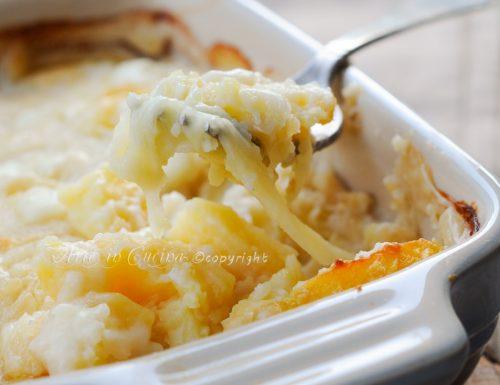 Pasticcio di patate al forno con scamorza besciamella
