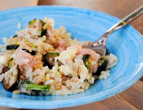 Riso e cereali con zucchine e prosciutto ricetta leggera