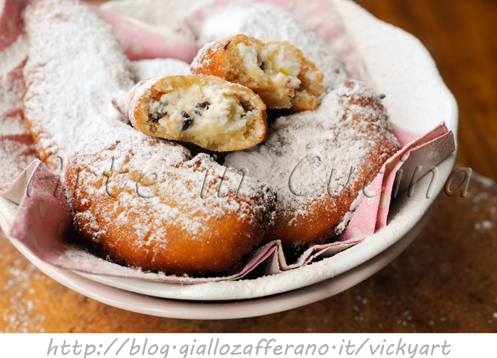 Cassatelle siciliane alla ricotta dolci di Carnevale
