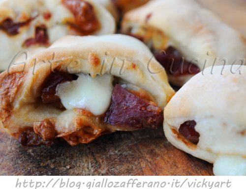Rotolini di pizza ripieni congelabili