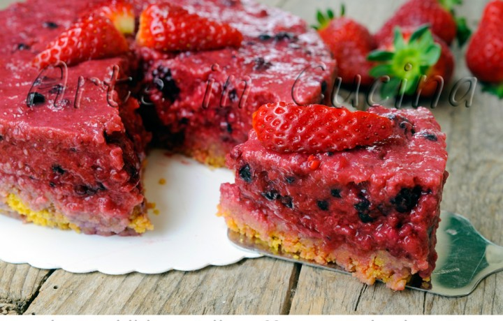 Cheesecake senza cheese fragole e frutti di bosco light