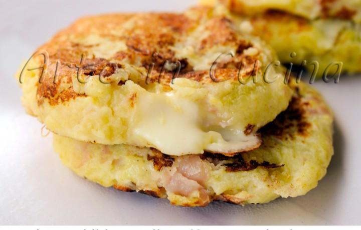 Frittelle di patate e formaggio in padella