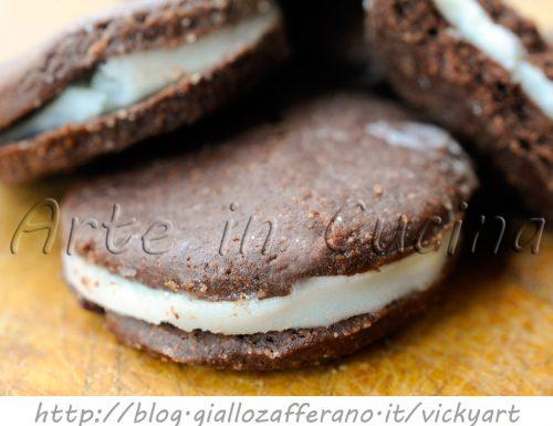 Oreo fatti in casa ricetta biscotti farciti facile