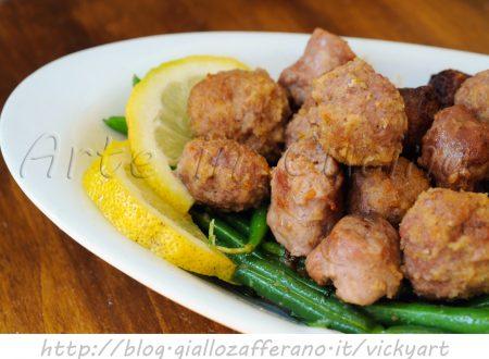 Salsicce e polpette al limone al forno
