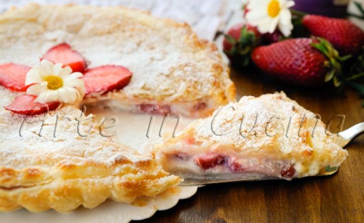 Crostata di sfoglia alle fragole crema e mascarpone