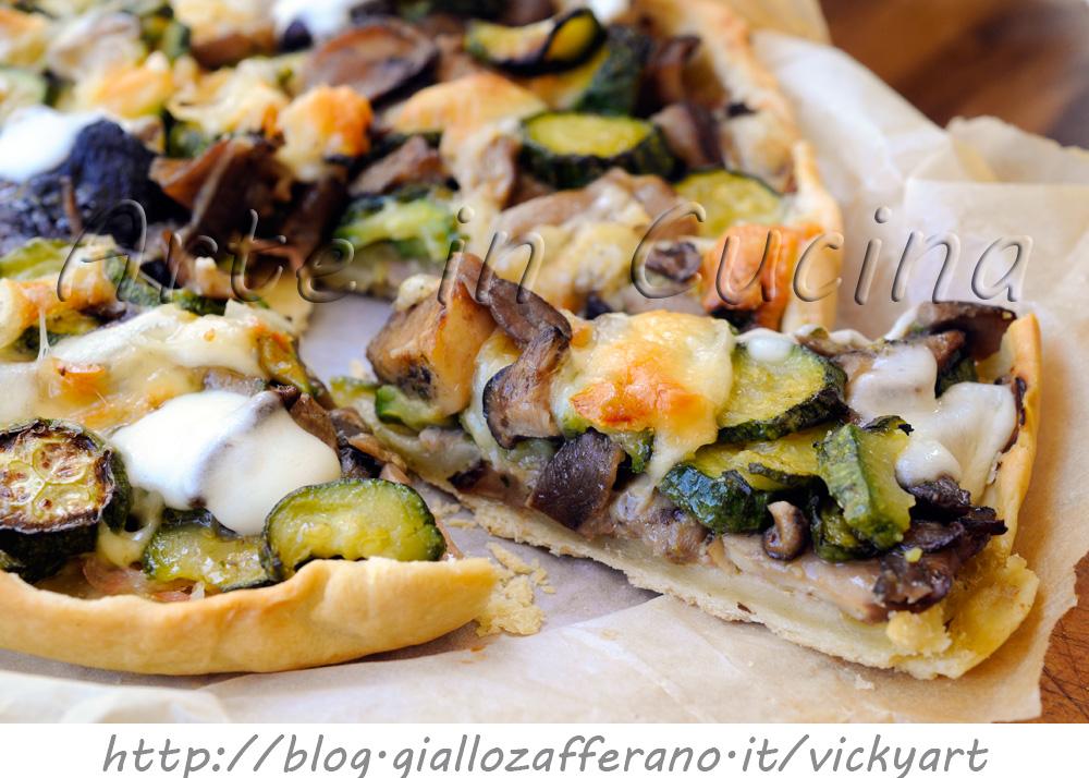torta-salata-zucchine-funghi-scamorza-prosciutto-senza-uova-burro-1