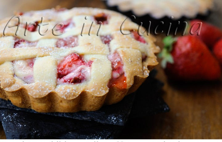 Crostatine alle fragole e ricotta deliziose