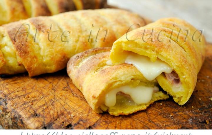 Flauti salati di patate ripieni prosciutto e provola veloci