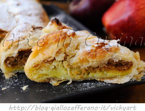 Plumcake di sfoglia alle mele con nocciole e mandorle
