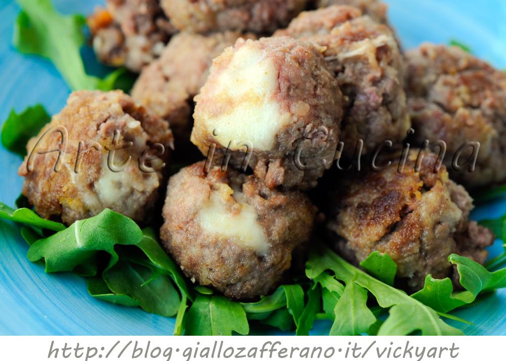 Polpette di carne e patate dal cuore filante