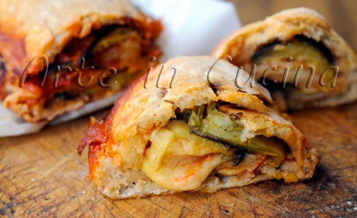 Rotolo pizza con melanzane alla parmigiana