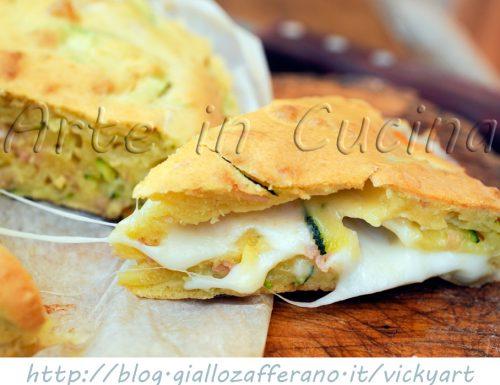 Torta salata veloce con zucchine e scamorza