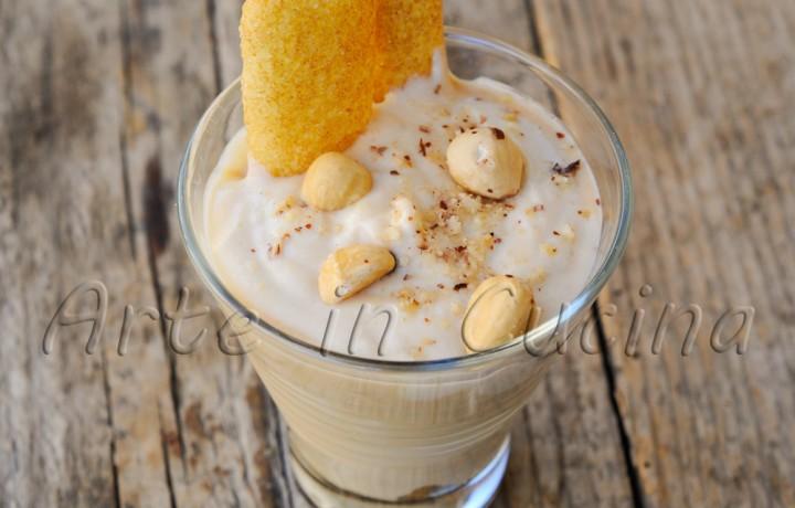 Coppa al caffe e nocciole allo yogurt