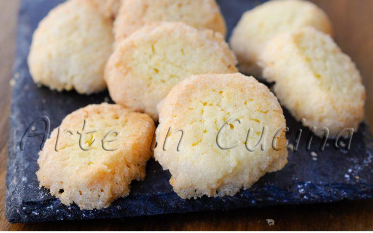 Diamantini biscotti con farina di riso al limone
