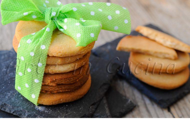 Pevarini biscotti veneziani tipici