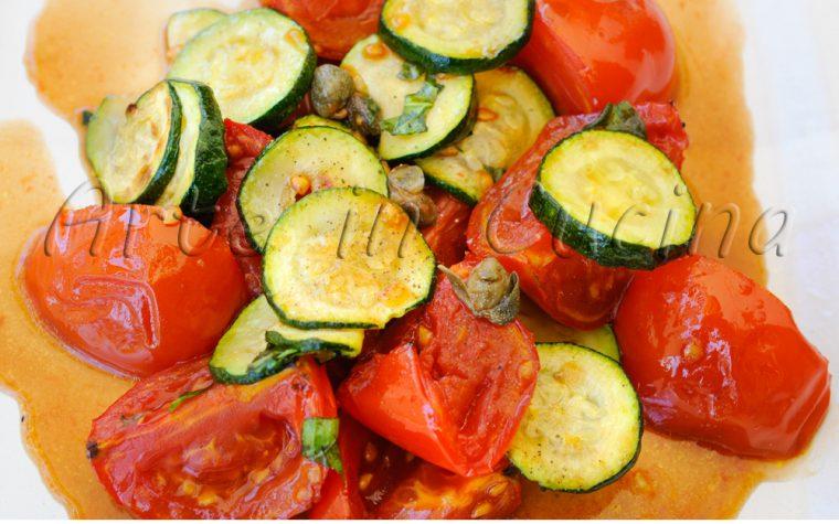 Pomodori grigliati e zucchine all'insalata veloce e light