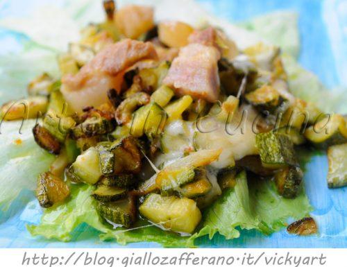 Zucchine con pancetta e scamorza in padella