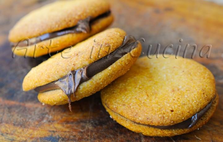 Biscotti di farina gialla alla nutella ricetta facile e veloce
