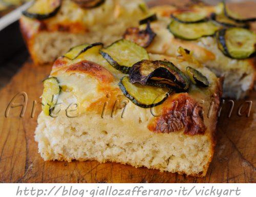 Focaccia alta e soffice con zucchine ricetta facile