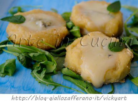 Pizzette di patate al gorgonzola ricetta sfiziosa facile in padella