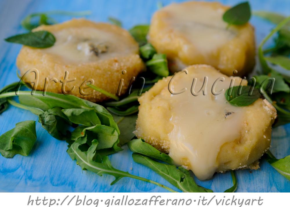 Pizzette di patate al gorgonzola ricetta sfiziosa facile in padella vickyart arte in cucin