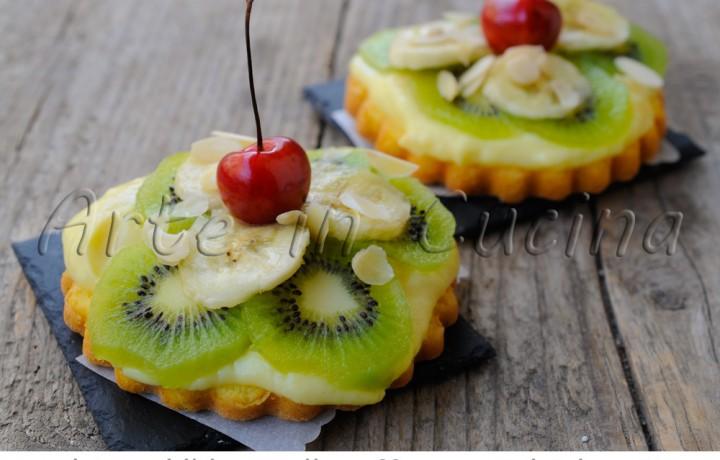Tortine alla crema pasticcera e frutta ricetta dolce