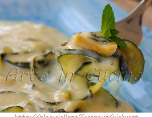 Zucchine con besciamella e provola in padella