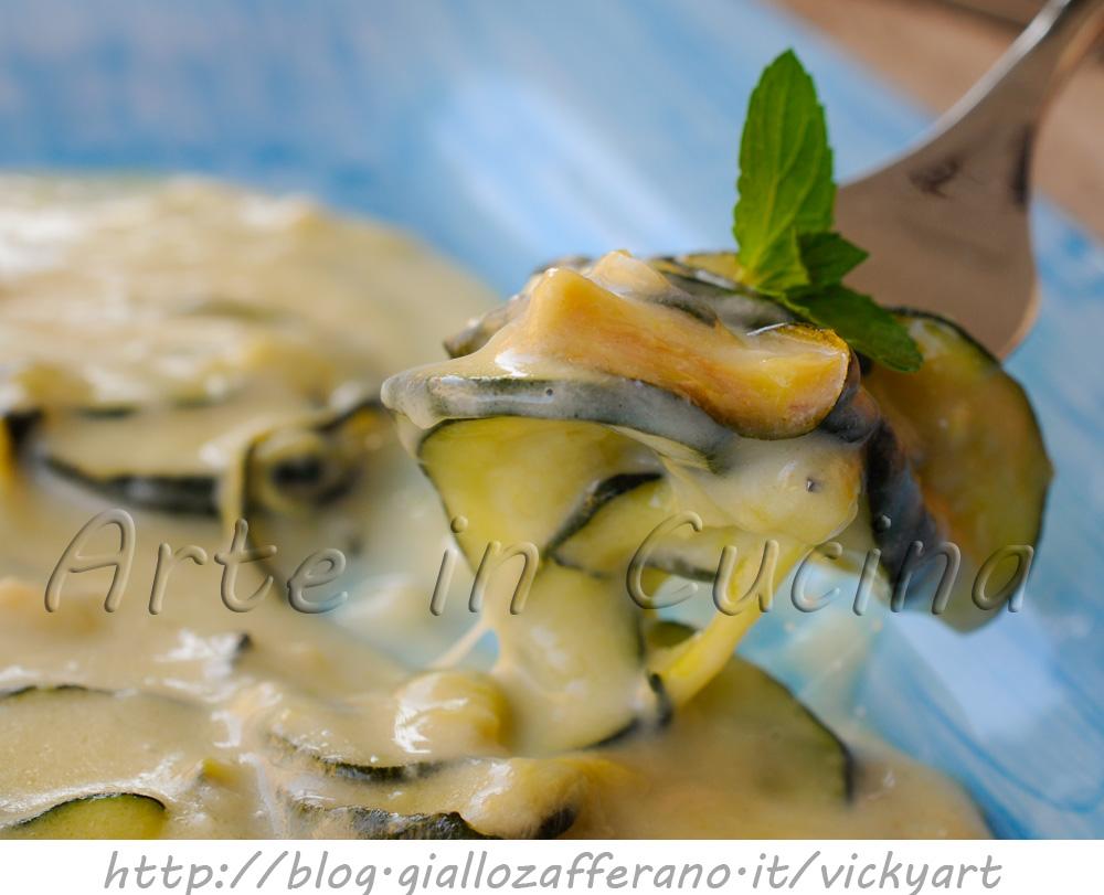 zucchine-besciamella-provola-padella-ricetta-contorno-1