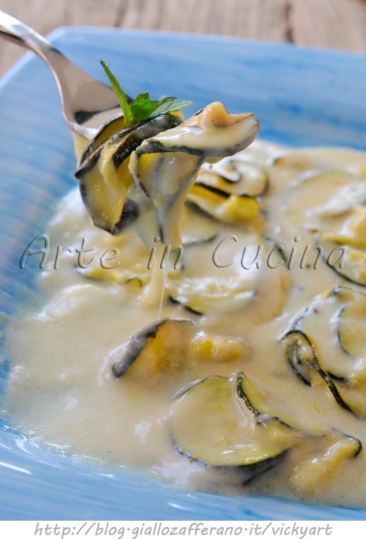 zucchine-besciamella-provola-padella-ricetta-contorno-2