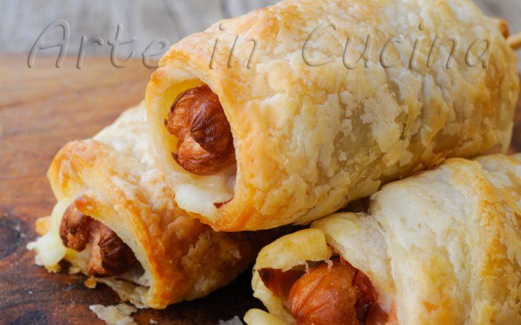 Cannoli di sfoglia ai wurstel e asiago ricetta finger food