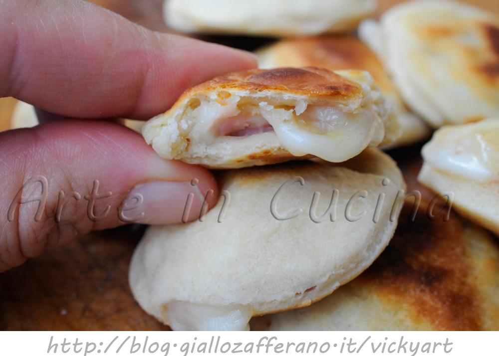 Focaccine alla ricotta ripiene ricetta finger food veloce vickyart arte in cucina