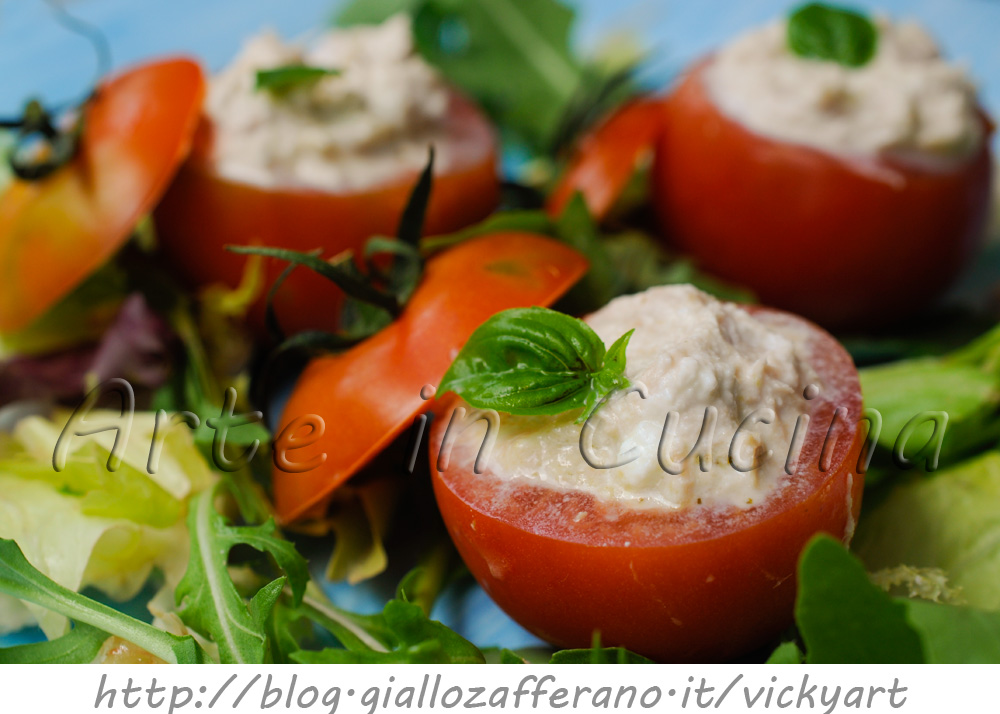 Pomodori ripieni freddi senza maionese con tonno e ricotta