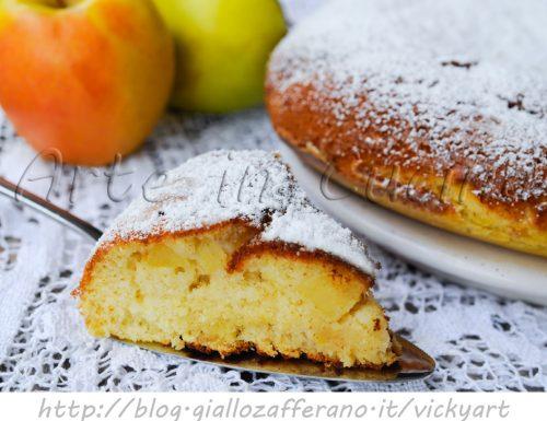 Torta in padella con mele e mandorle ricetta veloce