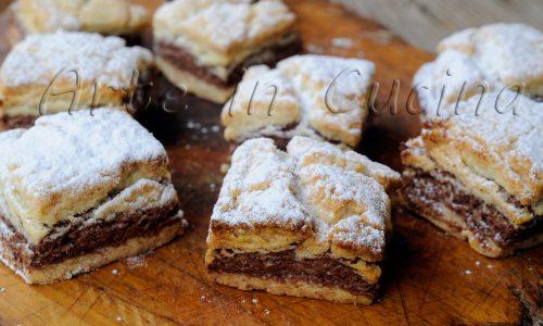 Biscotti bicolore alle mandorle ricetta facile e veloce