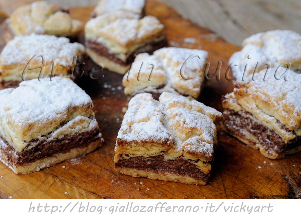 Biscotti bicolore alle mandorle ricetta facile e veloce for Ricette dolci facili e veloci