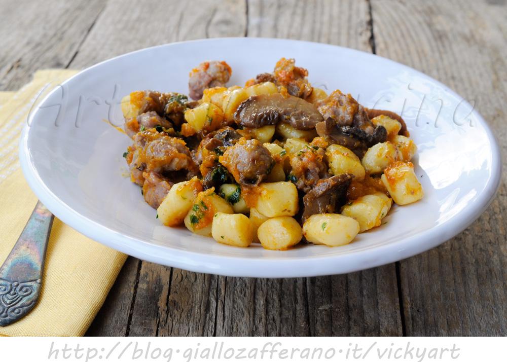 chicche-salsiccia-funghi-zucca-primo-piatto-facile-1