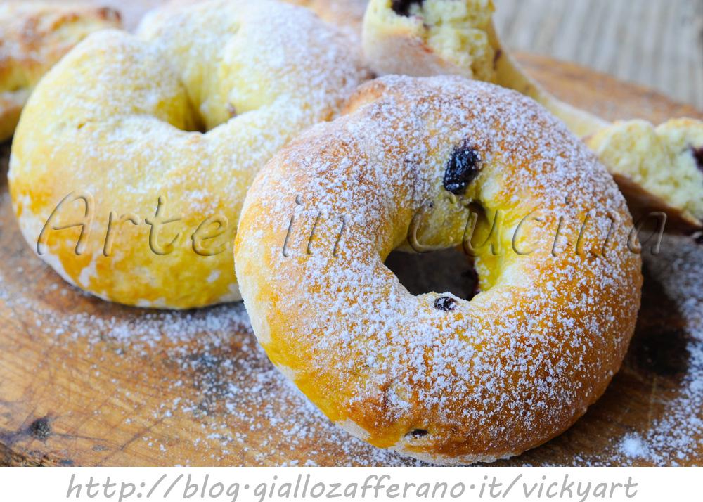 Ciambelle veloci ripiene con marmellata ricetta facile vickyart arte in  cucina