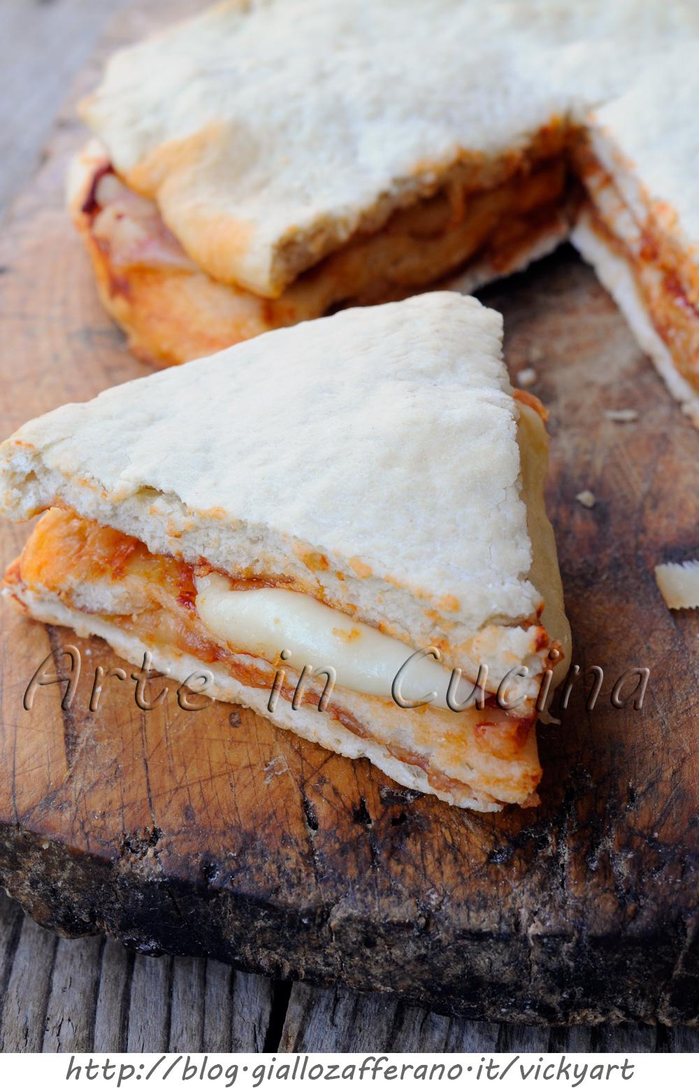 Focaccia ripiena veloce mozzarella e pomodoro vickyart arte in cucina