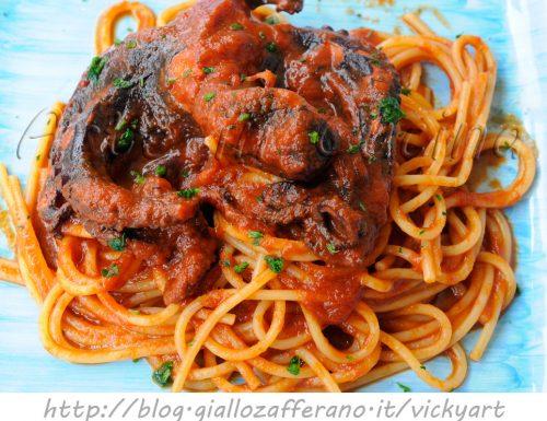 Spaghetti al sugo di polpo ricetta facile