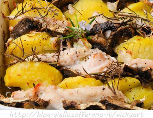 Pollo con patate e funghi al forno ricetta facile