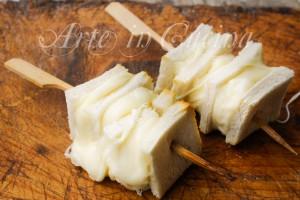 Asticciole di mozzarella spiedini antipasto napoletano