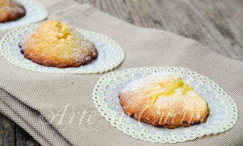 Biscotti ripieni alla crema pasticcera
