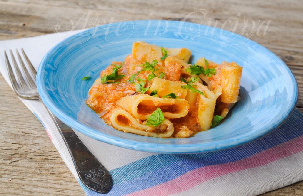 Calamarata al ragu di pesce ricetta facile arte in cucina for Cucina primi piatti di pesce